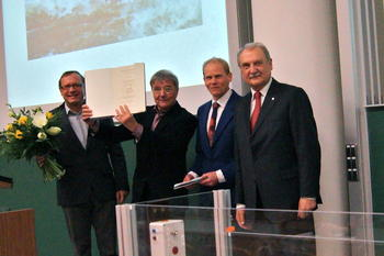 Honorary Doctorate for Wolfgang Junge